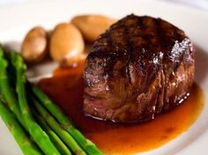 For over-the-top taste and low-effort luxe, nothing can beat carpetbag steak, a dish popular in Australia and New Zealand in the mid 20th century. Prime-cut steak is stuffed with fresh oysters for a luscious melding of flavors. Make carpetbag steak as a special meal to impress family, friends or a new romantic interest.