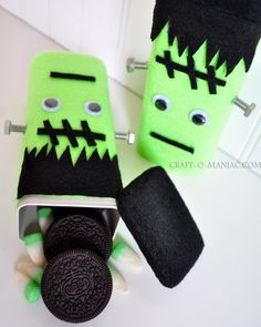 Craft-O-Maniac: DIY Recycled Frankenstein Treat Boxes from Crystal Light container