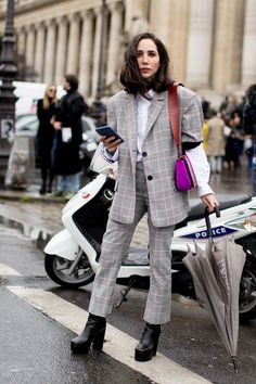 cool Street Style : Paris Fashion Week Fall 2017 Street Style Day 5, Fall 2017 See the best street s...