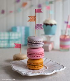 WashiTapeCookieFlags --mini party with washi  (Inspires me to make one next time, for the kids!! sounds great to me)