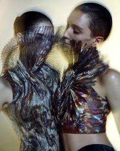 ©Warren Du Preez & Nick Thornton Jones & Iris van Herpen 「イリス・ヴァン・ヘルペン展」が2015年8月...