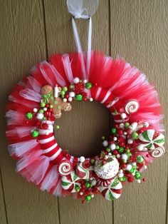 images of thanksgiving tulle wreaths | Tulle Wreath Ideas | Christmas candy tulle wreath | Craft Ideas
