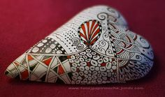 Zentangles and Art: Rock Design, Clay Design, Sea Glass Mosaic, Hope Art, Rock Painting Ideas Easy, Sharpie Art, Doodle Patterns, Stone Heart, Pottery Painting