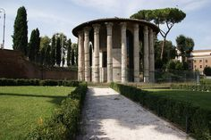 Temple #Rome, #Italy, #travel, #pinsland, https://apps.facebook.com/yangutu/travelbuddies