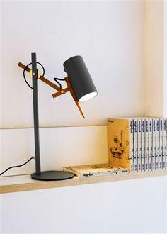 Scantling table lamp by Mathias Hann