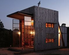 """A Minimal Kiwi Beach Hut is a """"Lock-up-and-leave"""""""