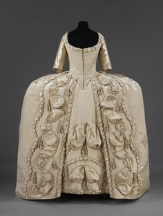 Court dress | V&A Search the Collections