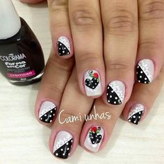 When looking for inspiration, especially for Valentine's Day, you need to concentrate on the common vday theme. Your typical red, white and black is always a solid choice but other abstract colors can be great too. Crazy Nail Art, Crazy Nails, Love Nails, Pretty Nails, Valentine Nail Art, Nails Only, Creative Nails, White Nails, Nail Arts