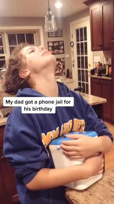 Super Funny Videos, Funny Video Memes, Funny Short Videos, Really Funny Memes, Stupid Funny Memes, Funny Relatable Memes, Funny Posts, Funny Vidos, Funny Laugh