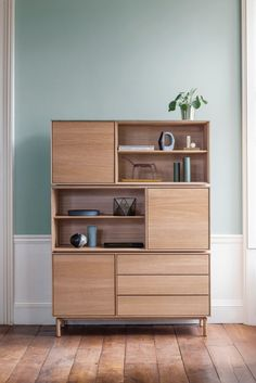 A range of upholstered seats with steam-bent wood frames are among the products that British furniture brand Ercol is showcasing for Milan design week Retro Furniture, Cabinet Furniture, Plywood Furniture, Furniture Decor, Furniture Design, Modular Cabinets, Small Cabinet, Cabinet Design, Bookcase