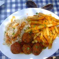 Our love of Greek Food continues....these are possibly the best meatballs... @ Hermes lindos http://www.trover.com/d/zwX7-hermes-lindos-rhodes-greece?st=aitdyp1 …