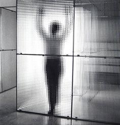 """el trabajo de Nanda Vigo, exhibido en el libro """"la luz es vida"""" - una serie de interiores y proyectos de muebles realizados en los últimos treinta años de su carrera. http://www.nandavigo.com/pages/interiors.html"""
