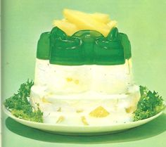 This seems to be a favorite of many people. I have photos of it from many molds in different Jello books but this is my favorite. The pears ...