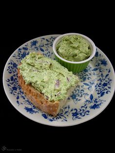 Vajickovo hraskova natierka Green Peas, What To Cook, Avocado Toast, Bread, Cooking, Breakfast, Indie, Eggs, Kitchen