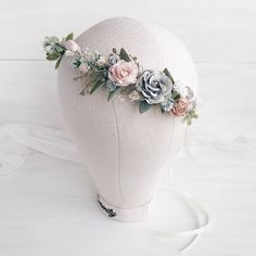 So tender blush pink, white, ivory, dusty grey flowers with greenery, berries, baby breath and leaves. Due to the flexible design crown individually adapts to the shape of the head. Length 38 cm / 15 inches. Matching child crown