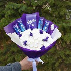 Cute Birthday Gift, Friend Birthday Gifts, Diy Bouquet, Candy Bouquet, Chocolate Bouquet Diy, Friendship Day Gifts, Edible Bouquets, Pastel Candy, Chocolate World