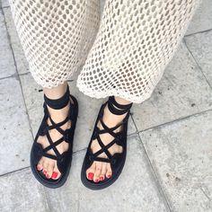 メッシュのパンツ  この夏はメッシュづくしでいきたいと思います!  今日午前中までにご入金の確認ができた方は全て発送させていただいてます  みなさんに気に入っていただけますように♥︎⃛ #celine #vintage #crochet #Meg足