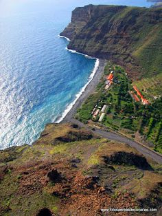 LA GOMERA - FOTOS AEREAS DE CANARIAS #spain Island Design, Canario, Island Beach, Canary Islands, Beautiful Islands, Best Hotels, Travel Destinations, Places To Visit, Ocean