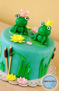 his and hers frog cake Cupcakes, Cupcake Cakes, Lizard Cake, Baby Showers, Frog Food, Frog Cakes, Duck Cake, Baby Birthday Cakes, Hello Kitty Cake