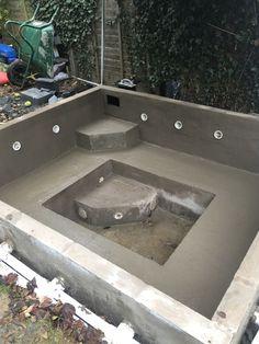Pool Diy, Natural Swimming Pools, Swimming Pools Backyard, Swimming Pool Designs, Hot Tub Backyard, Small Backyard Pools, Small Pools, Inground Hot Tub, Kleiner Pool Design