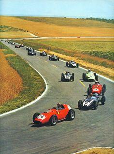 1959 FRENCH GRAND PRIX (REIMS) - Tony Brooks (GB) leads on first lap in Ferrari 246.