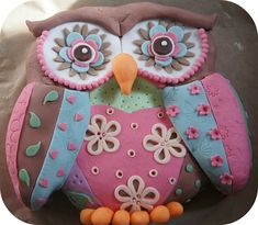 Patchwork owl birthday cake inspired by the one in Creative Colour for Cake Decorating by Lindy Smith