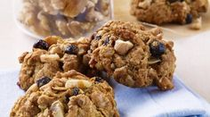 Walnut Blueberry Oatmeal Energy Bites   These nutrient-dense bites are packed with tasty goodness. They're the perfect on-the-go breakfast or a healthy snack around 3pm. @cawalnuts