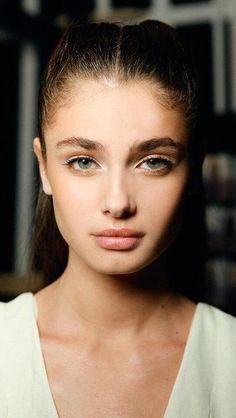 Taylor Marie Hill ♥ My pretty Little girl 😍❤️💋 Taylor Marie Hill, Beauty Makeup, Hair Makeup, Hair Beauty, Makeup Eyeshadow, Gabrielle Bonheur Chanel, Celebrity Faces, Beautiful Lips, Stunning Girls