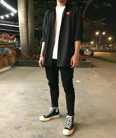 Hipster boy outfit inspiration man stylish look man streetwear man urban st Mode Streetwear, Streetwear Fashion, Urbane Mode, Urban Outfits, Fashion Outfits, Fashion Ideas, Jackets Fashion, 80s Style Outfits, Fashion Pants