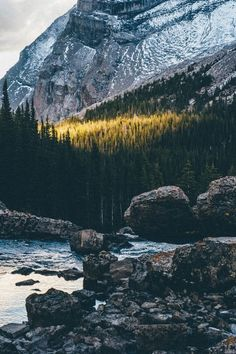 Mountain Girl #adventure #outdoors #mountains pinterest / @lilyxritter
