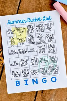 This Free Printable Summer Bucket List Bingo is such a fun way to have go to ideas for summer days! Bingo, Play N Go, Summer Bucket Lists, Bullet Journal Ideas Pages, Summer Activities, Kid Activities, Going Back To School, Activity Days, Summer Kids