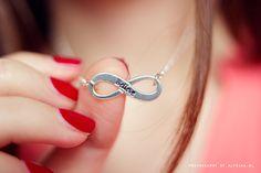 Alyssaa.nl loves her infinity necklace!
