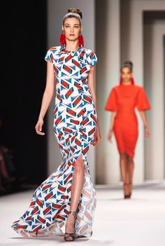 Image from http://assets.nydailynews.com/polopoly_fs/1.1609809!/img/httpImage/image.jpg_gen/derivatives/gallery_1200/carolina-herrera.jpg.