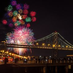 Fireworks by the Bay // San Francisco. Photo by @wintibaugh