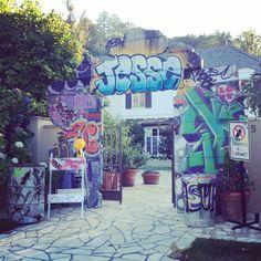 61 ideas for wall graffiti bar Bar Mitzvah Themes, Bar Mitzvah Party, Bat Mitzvah, Hip Hop Party, Dj Party, Urban Graffiti, Graffiti Wall, Birthday Wall Decoration, Girl Birthday