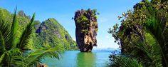 Située à proximité de Khao Lak, dans la région Sud de la Thaïlande, la baie de Phang Nga est un régal pour les yeux. Connu pour ses 300 pitons calcaires, l'endroit se découvre en canoë ou en bateau à longue queue - #easyvoyage #easyvoyageurs #clubeasyvoyage #terresdevoyages #travel #traveler #traveling #travellovers #voyage #voyageur #holiday #tourism #tourisme #evasion #thailande #thailand #asie #asia #khaolak #phangnga #mer #sea #ocean