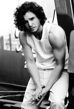Kit Harington - Jon Snow  Game Of Thrones  - LiFO