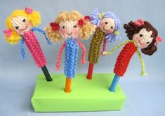 Free knitting pattern for doll pencil toppers by Flutterby Patch Knitting For Kids, Knitting Projects, Crochet Projects, Knitted Dolls, Crochet Dolls, Yarn Dolls, Knit Or Crochet, Crochet For Kids, Pencil Toppers