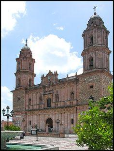 una iglesia en Teocaltiche, Jalisco, Mexico