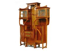 Cabinet-Vitrine A masterfully carved wood Art Nouveau style cabinet designed by the Belgian architect and furniture designer Gustave Serrurier-Bovy. Art Furniture, Art Nouveau Furniture, Rustic Furniture, Furniture Projects, Wood Projects, Wood Carving Art, Wood Art, Architecture Design, Vintage Stil