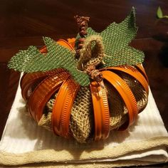 Pumpkin Crafts, Fall Crafts, Holiday Crafts, Diy And Crafts, Jar Lid Crafts, Mason Jar Crafts, Canning Jar Lids, Mason Jar Lids, Oatmeal Container