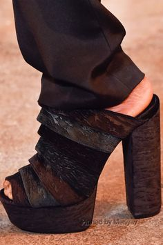 Christian Siriano at New York Fashion Week Fall 2015 - Details Runway Photos Couture Shoes, Christian Siriano, Shoe Closet, Crazy Shoes, Fall 2015, Uggs, Fashion Shoes, Shoe Boots, Peep Toe