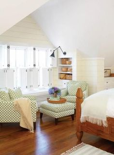 The master bedroom's open bookshelves hold an array of Nantucket baskets, some of which the homeowner made.