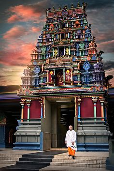 FIJI! Visit the Sri Siva Subramaniya Temple in Fiji and attend one of festivals at this colorful Hindu temple! Photo by Ben Ryan! #Fiji