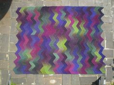 One of many amazing patterns from this talented Ravelry contributor. Ten Stitch ZigZag 14 by Rosemily, via Flickr