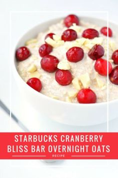 Starbucks Cranberry Bliss Bars Overnight Oats Recipe   These healthy overnight oats make the perfect Christmas breakfast. So quick and easy!