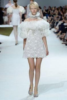 Giambattista Valli Couture Autumn/Winter 2016 - White tulled sleves and neckline little dress