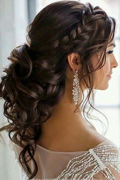Braided Loose Curls Low Updo Wedding Hairstyle Braided Loose Curls Low Up., Frisuren,, Braided Loose Curls Low Updo Wedding Hairstyle Braided Loose Curls Low Updo Wedding Hairstyle Source by Long Hair Wedding Styles, Wedding Hairstyles For Long Hair, Wedding Hair And Makeup, Trendy Wedding, Wedding Ideas, Hairstyle Wedding, Simple Hairstyles, Black Hairstyles, Hairstyles Haircuts