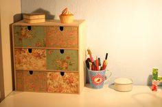 DIY Mini-Kommode Tutorial von http://rainb0wpieces.blogspot.de