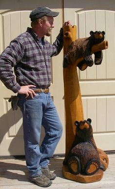 Bear Country Gallery is the home of Jeff Fleming's world famous wood carved bears and Bearfoots figurines. Black Bear Decor, Chainsaw Wood Carving, Log Cabin Living, Kerala Mural Painting, Bear Signs, 60th Birthday Gifts, Love Bear, Rustic Wall Decor, Wood Art